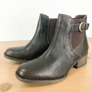 Born Mohan Boot 8